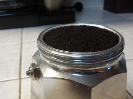 moka-pot-coffee-grind